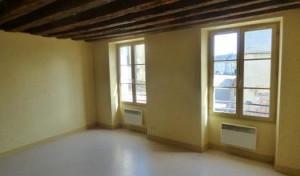 Annonce immobilière - location - Appartement - IVOY LE PRE - 18